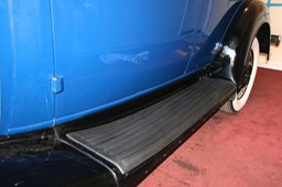 12/10/12 Left running board with rubber mat installed